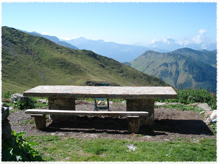 Table En Pierre Naturelle