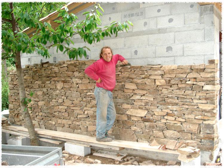 Habillage de mur en pierre